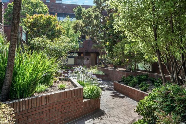 170 Pacific Ave Apt 22, San Francisco, CA 94111