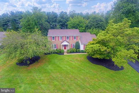 Photo of 1388 Park Lake Dr, Reston, VA 20190