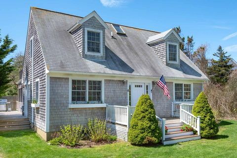 Magnificent Marthas Vineyard Ma 3 Bedroom Homes For Sale Realtor Com Interior Design Ideas Gentotryabchikinfo