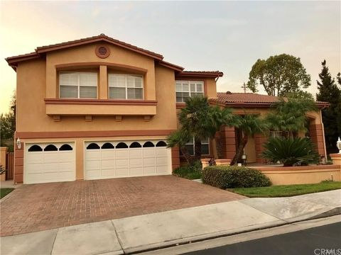 Photo of 7533 E Endemont Ct, Anaheim Hills, CA 92808