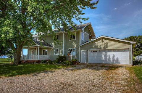 Photo of 3585 310th St, Radcliffe, IA 50230