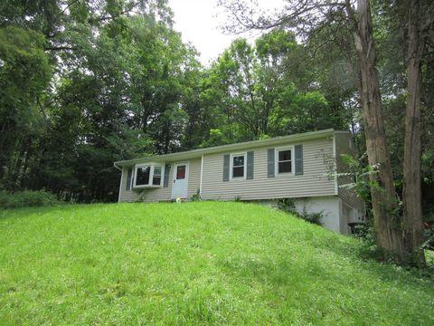 Photo of 109 Lakeside Dr, Pawling, NY 12564