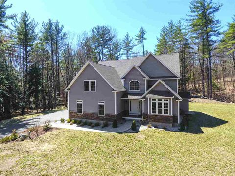 Photo of 7 Pulpit Rd, Bedford, NH 03110