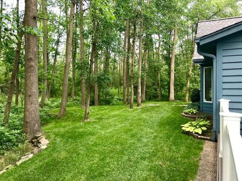 Photo of 13948 N Lake Shore Dr, Mequon, WI 53097
