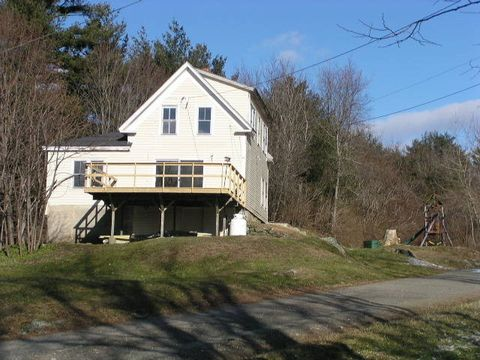 Photo of 49 Lincoln Hts, Claremont, NH 03743