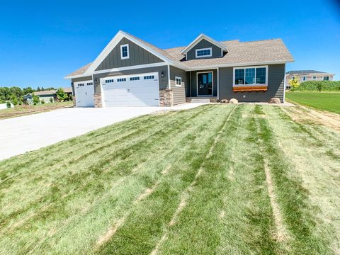 Photo of 1211 Summit Cir, Brookings, SD 57006