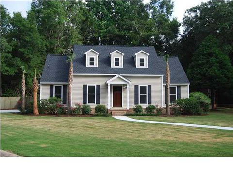 Photo of 925 Jacksnipe Ln, Mount Pleasant, SC 29464
