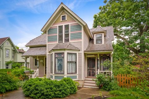 Magnificent Gifford Park Elgin Il Real Estate Homes For Sale Interior Design Ideas Clesiryabchikinfo