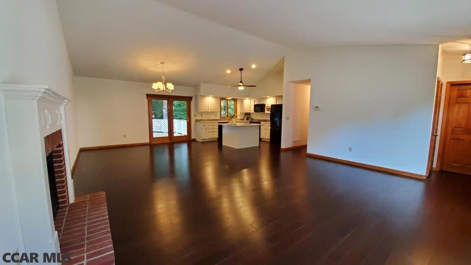 253 Camelot Ln State College Pa 16803