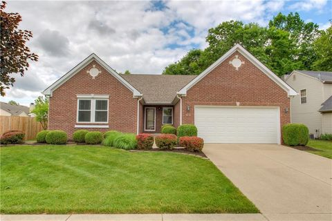 Photo of 12713 Gunnison Dr, Indianapolis, IN 46236