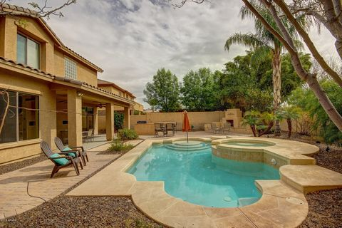 Photo of 4371 E Turnberry Ct, Gilbert, AZ 85298