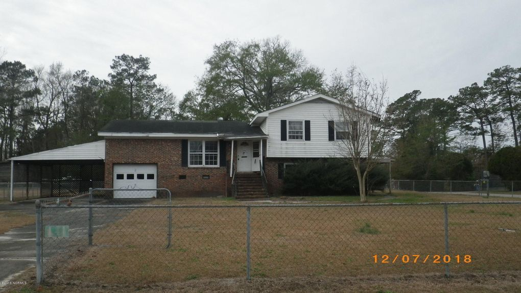 1135 Gould Rd, Jacksonville, NC 28540