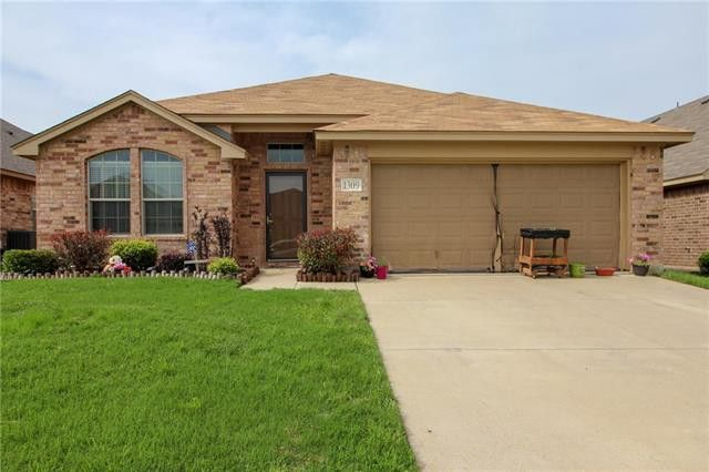 1309 Doe Meadow Dr, Fort Worth, TX 76028