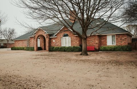 Photo of 1414 8th St, Shallowater, TX 79363