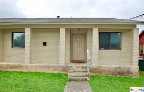 Photo of 1008 Columbia St Apt B, San Marcos, TX 78666