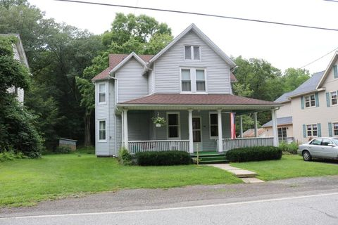 Photo of 1936 Tomhicken Rd, Rock Glen, PA 18246