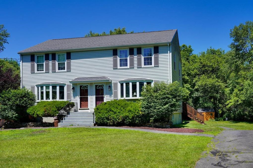 208 Farm St Unit 208 Bellingham, MA 02019