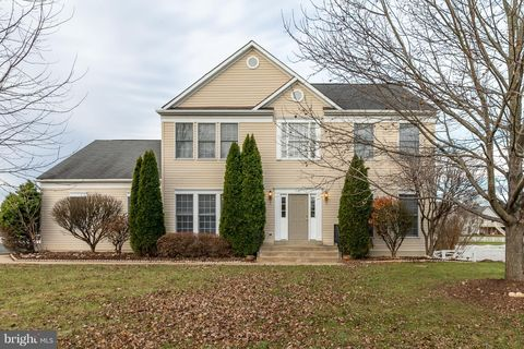 641 S Maple Ave, Purcellville, VA 20132