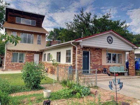 Remarkable Moab Ut Real Estate Moab Homes For Sale Realtor Com Home Interior And Landscaping Spoatsignezvosmurscom