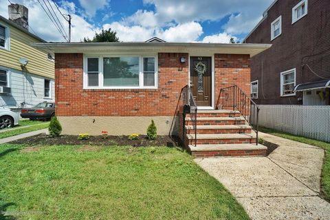 Mariners Harbor, Staten Island, NY Real Estate & Homes for