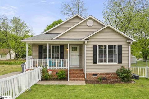 Photo of 277 Austin St, Spartanburg, SC 29301