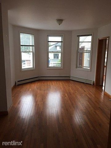 Photo of 40-29 204th St, Queens, NY 11361