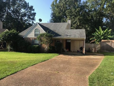 Photo of 121 Shadow Hill Dr, Madison, MS 39110