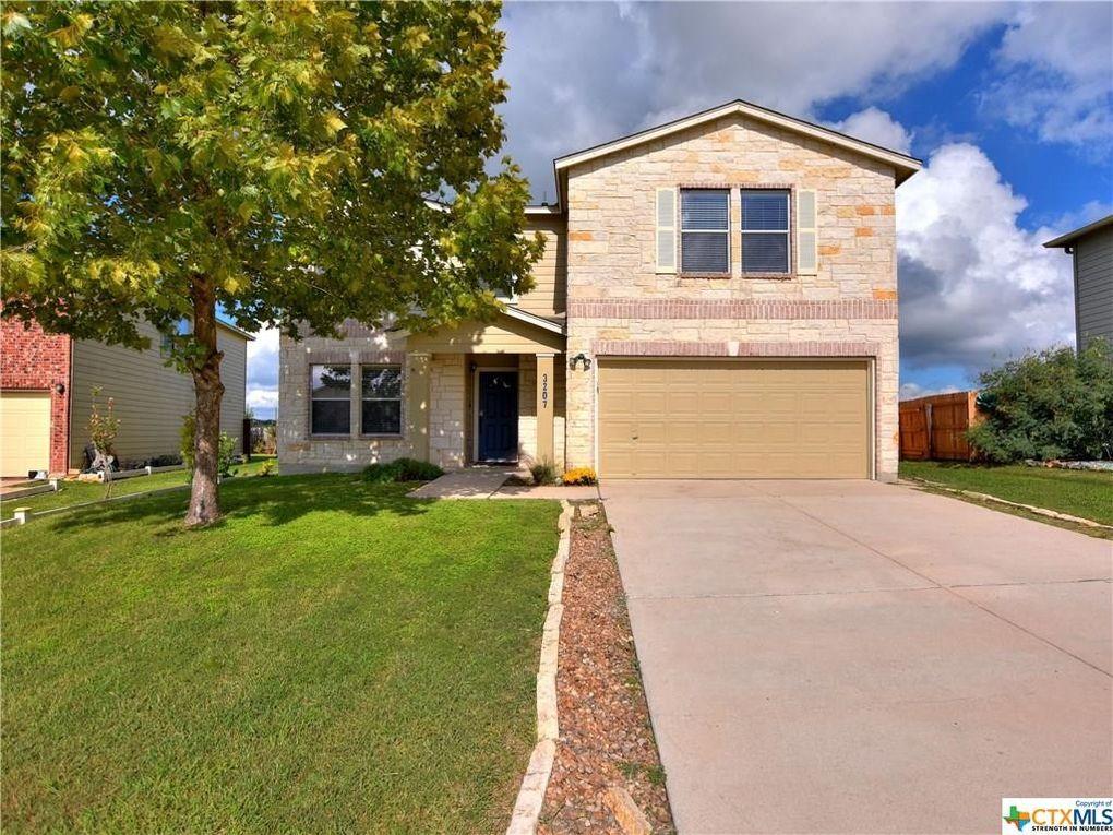 3207 Crested Creek Dr New Braunfels, TX 78130