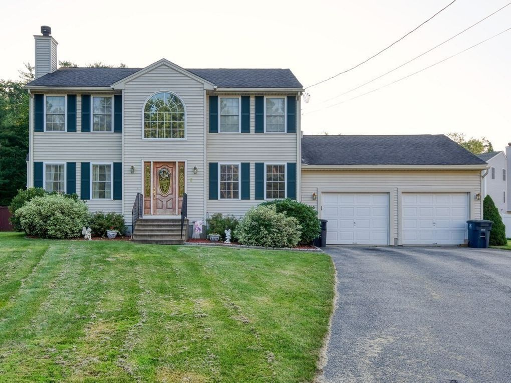 3 Abbey Rd Webster, MA 01570