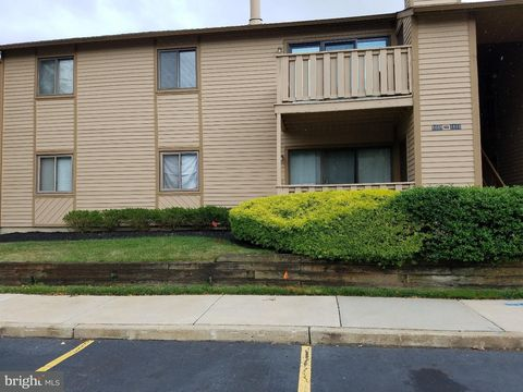 Photo of 1614 Woodhollow Dr, Evesham, NJ 08053