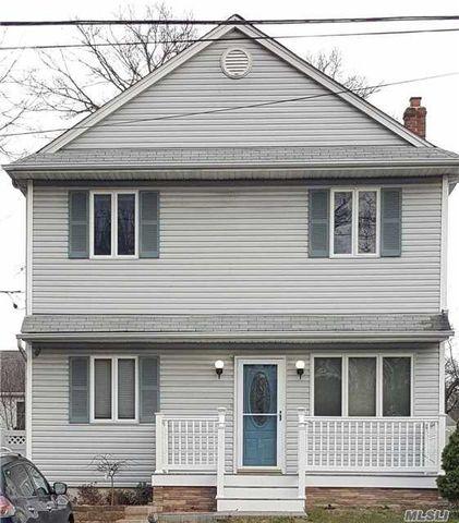 117 S Evergreen Dr, Selden, NY 11784