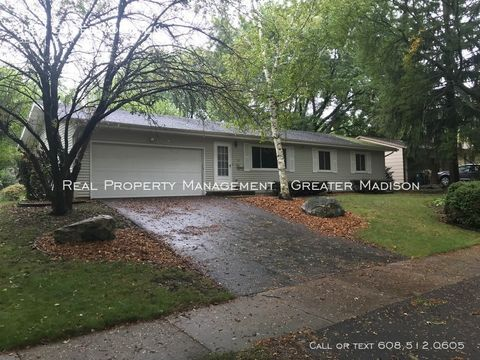 Photo of 1613 Redwood Ln, Madison, WI 53711