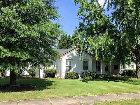 402 College St, Calhoun, GA 30701