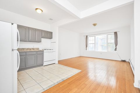 Photo Of 221 Montrose Ave Unit 2 L Brooklyn Ny 11206 Condo For Rent