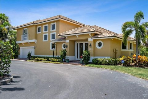 Photo of 901 Waters Edge Dr, Fort Pierce, FL 34949