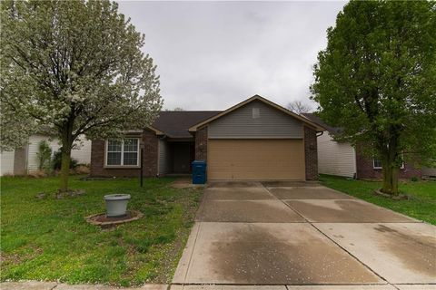 Photo of 8147 Lake Tree Ln, Indianapolis, IN 46217