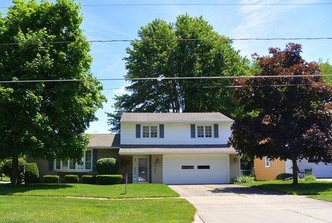 1504 Park Ave, Elyria, OH 44035