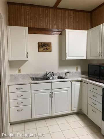 Photo of 22 1/2 N Chestnut Ave Apt 2, New Hampton, IA 50659