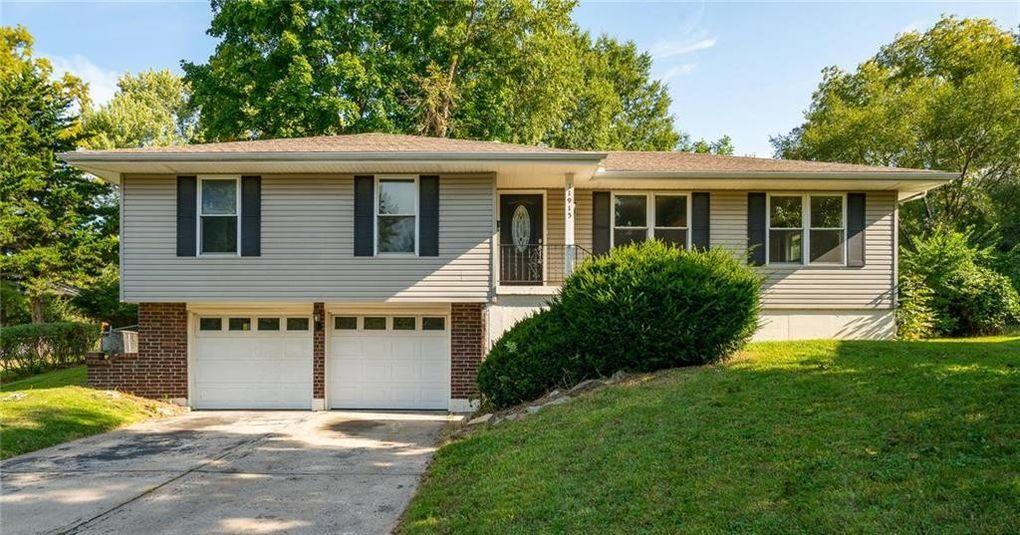 11915 Sycamore Ave, Grandview, MO 64030