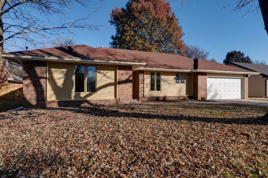 2747 W Maplewood St, Springfield, MO 65807
