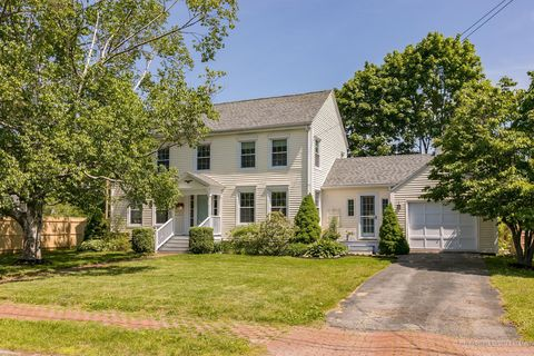Photo of 4 Parsons Rd, Portland, ME 04103