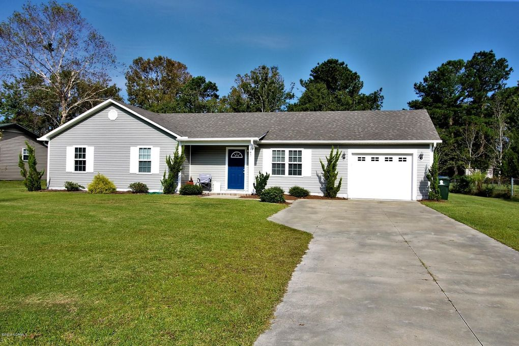 143 Bayberry Rd Newport, NC 28570