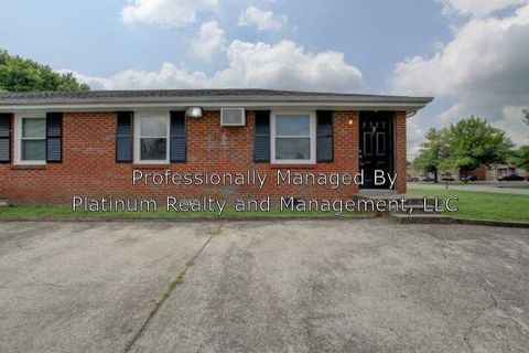 Photo of 805 Golfview Pl Unit 6, Clarksville, TN 37043
