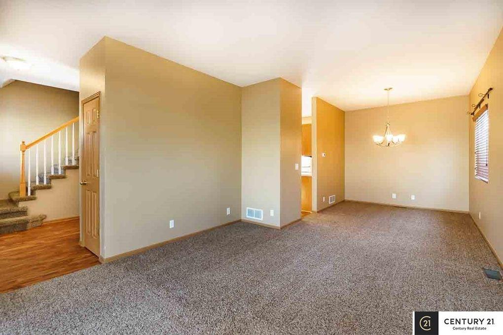 18625 Anne St, Omaha, NE 68135