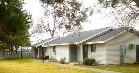 Photo of 906 S 4th St, Sunnyside, WA 98944