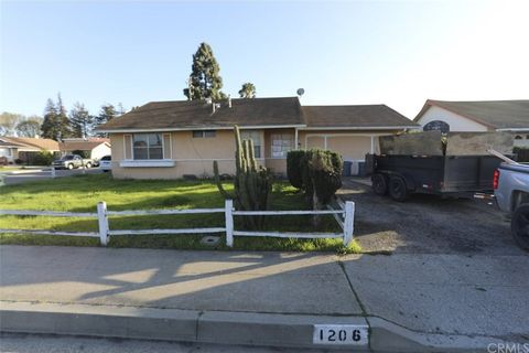 Photo of 1206 E Sunset Ave, Santa Maria, CA 93454