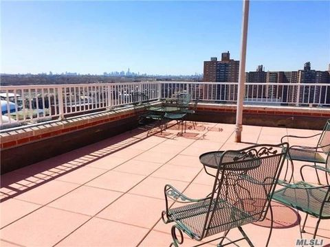 Home for rent 71 36 110th st apt 4 j forest hills ny for 150 greenway terrace