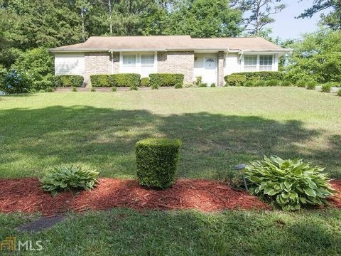Photo of 7799 Chase Woods Dr, Jonesboro, GA 30236