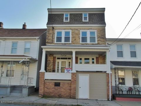 208 N Walnut St, Mount Carmel, PA 17851