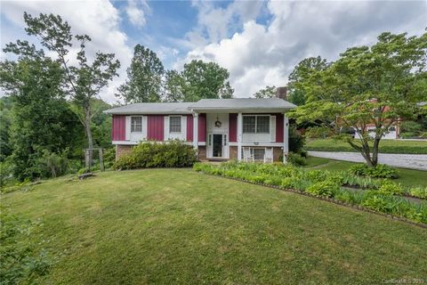 Photo of 800 Laurel Ave, Black Mountain, NC 28711
